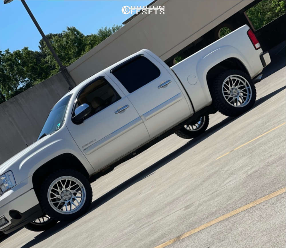 """2011 GMC Sierra 1500 Aggressive > 1"""" outside fender on 22x12 -20 offset Moto Metal Mo805 and 33""""x12.5"""" Haida Hd878 R/t on Leveling Kit - Custom Offsets Gallery"""