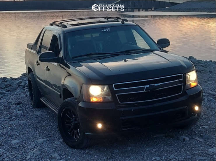 """2007 Chevrolet Avalanche 1500 Aggressive > 1"""" outside fender on 20x10 34 offset Luxxx Hd Lhd26 and 33""""x12.5"""" BFGoodrich All Terrain T/a Ko2 on Suspension Lift 2.5"""" - Custom Offsets Gallery"""
