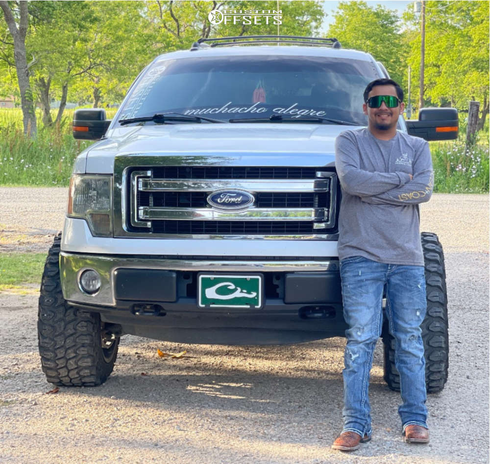 """2014 Ford F-150 Aggressive > 1"""" outside fender on 22x12 -43.942 offset TIS 544bm and 35""""x12.5"""" Gladiator Xcomp Mt on Leveling Kit - Custom Offsets Gallery"""