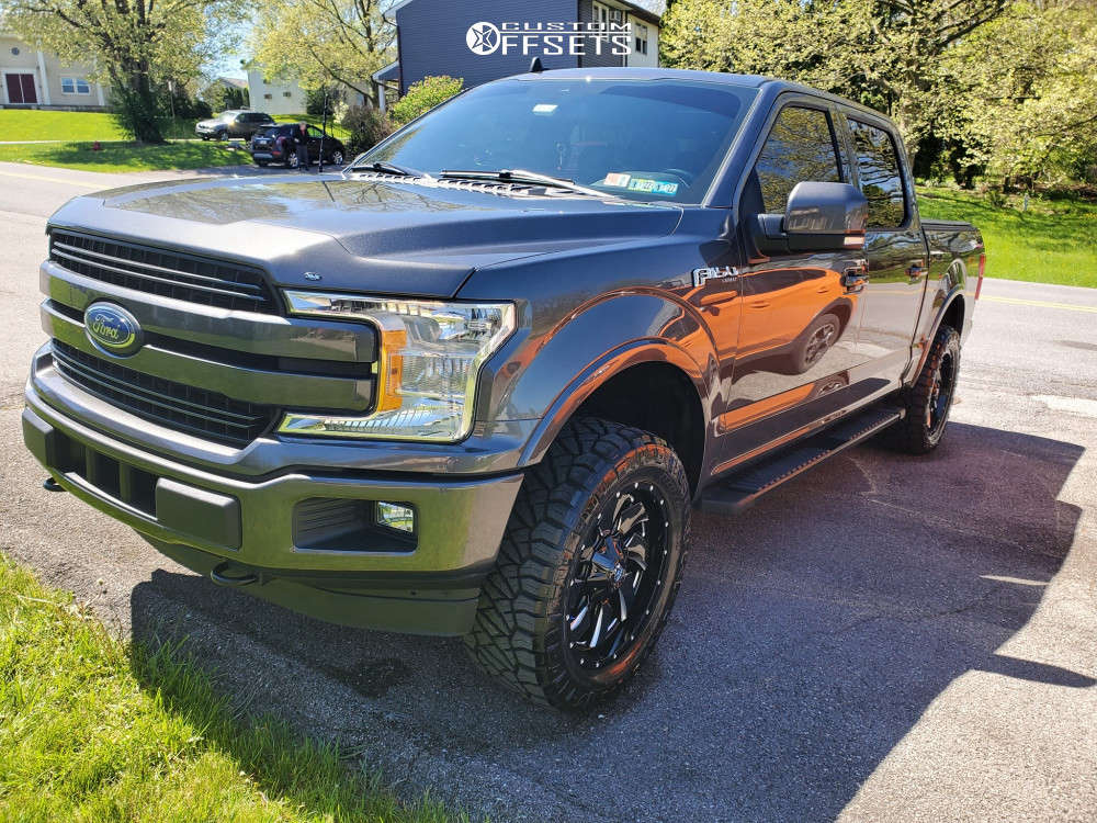 """2020 Ford F-150 Aggressive > 1"""" outside fender on 20x9 1 offset Fuel Cleaver and 33""""x12.5"""" Nitto Ridge Grappler on Leveling Kit - Custom Offsets Gallery"""
