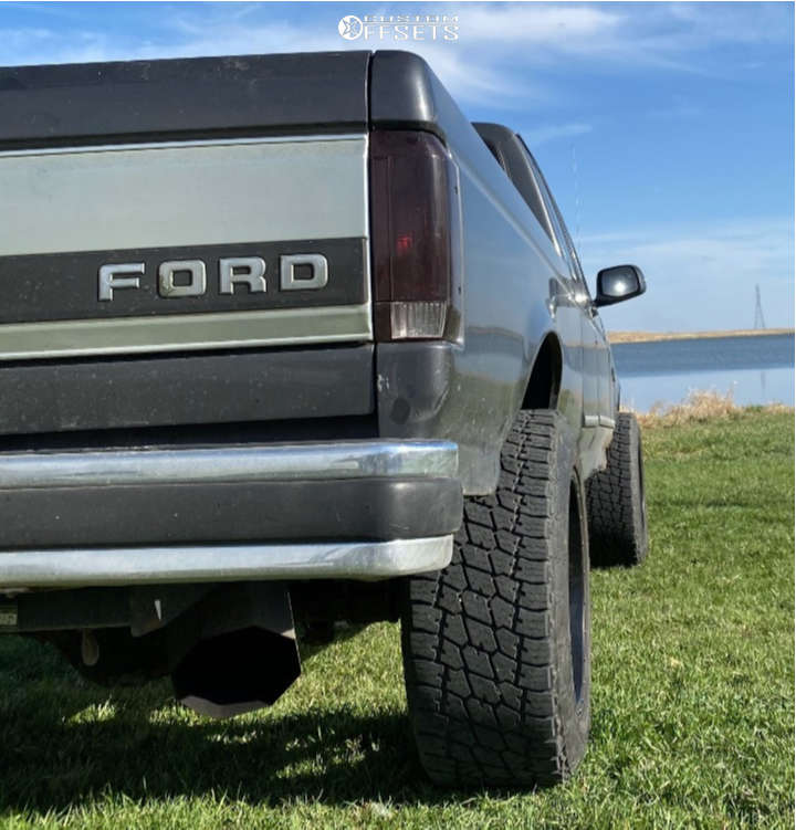 """1995 Ford F-250 Super Aggressive 3""""-5"""" on 20x12 -44 offset Red Dirt Road Rd01 and 33""""x12.5"""" Nitto Terra Grappler G2 on Stock Suspension - Custom Offsets Gallery"""