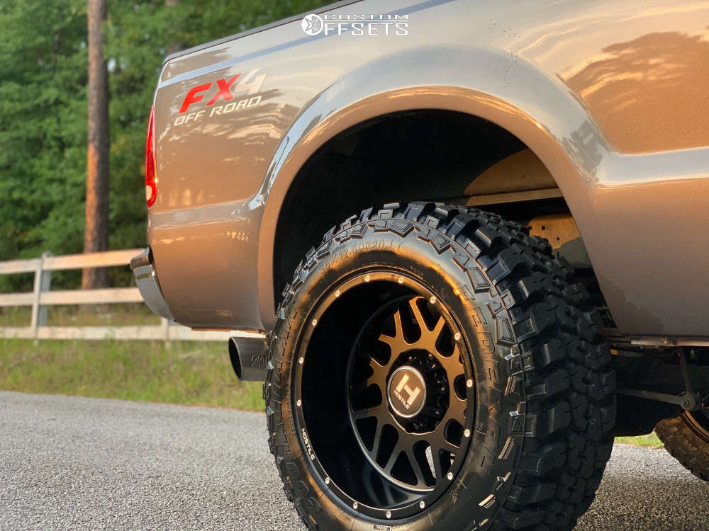 """2004 Ford F-250 Super Duty Aggressive > 1"""" outside fender on 20x12 -44 offset Hostile Sprocket and 35""""x12.5"""" Federal Couragia Mt on Leveling Kit - Custom Offsets Gallery"""