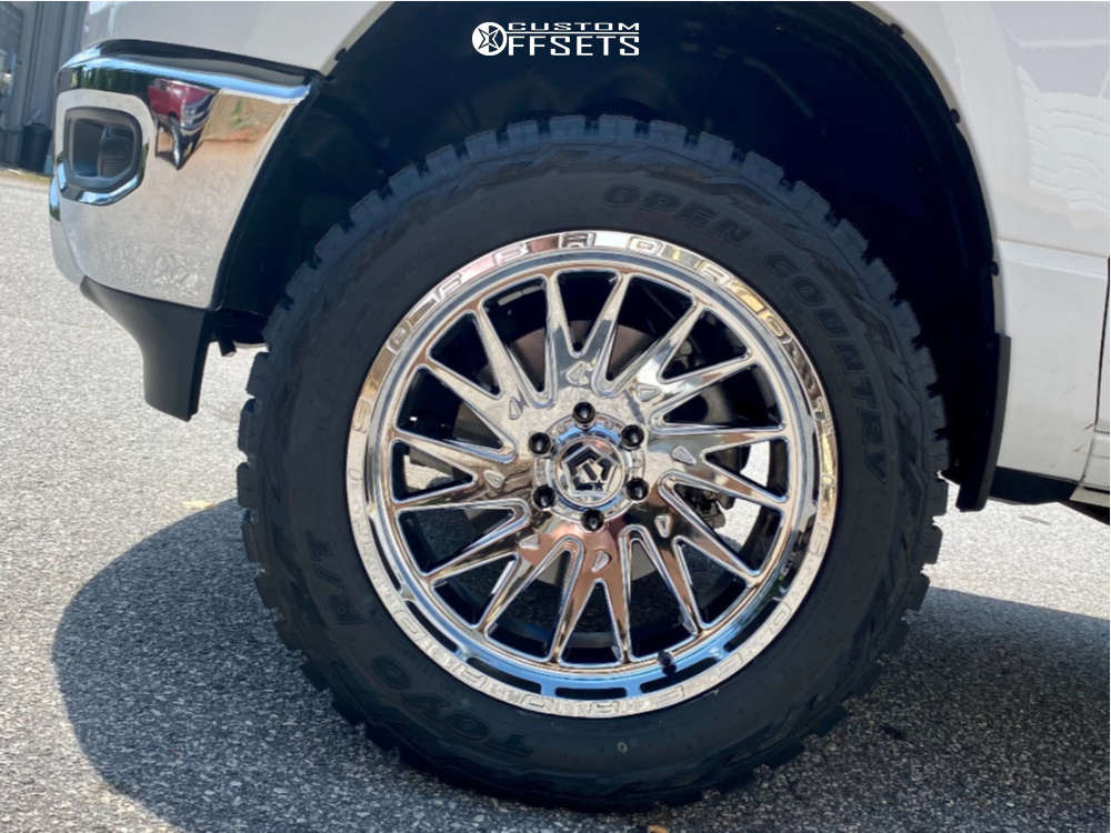"""2020 Ram 1500 Aggressive > 1"""" outside fender on 22x10 -19 offset TIS 547c and 35""""x12.5"""" Toyo Tires Open Country R/t on Suspension Lift 4"""" - Custom Offsets Gallery"""