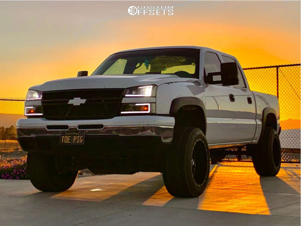 """2007 Chevrolet Silverado 1500 Classic Aggressive > 1"""" outside fender on 20x12 -44 offset TIS 544 and 305/65 Nitto Nt420v on Air Suspension - Custom Offsets Gallery"""