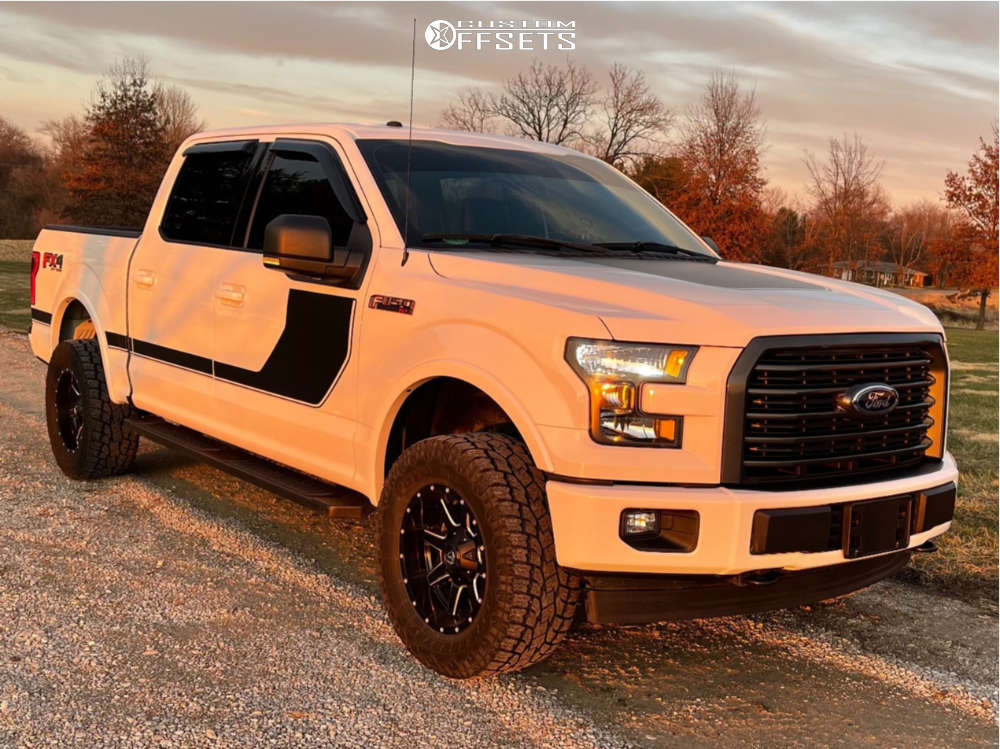 """2017 Ford F-150 Slightly Aggressive on 18x9 -12 offset Fuel Maverick and 33""""x12.5"""" Toyo Tires Open Country A/t Ii on Leveling Kit - Custom Offsets Gallery"""