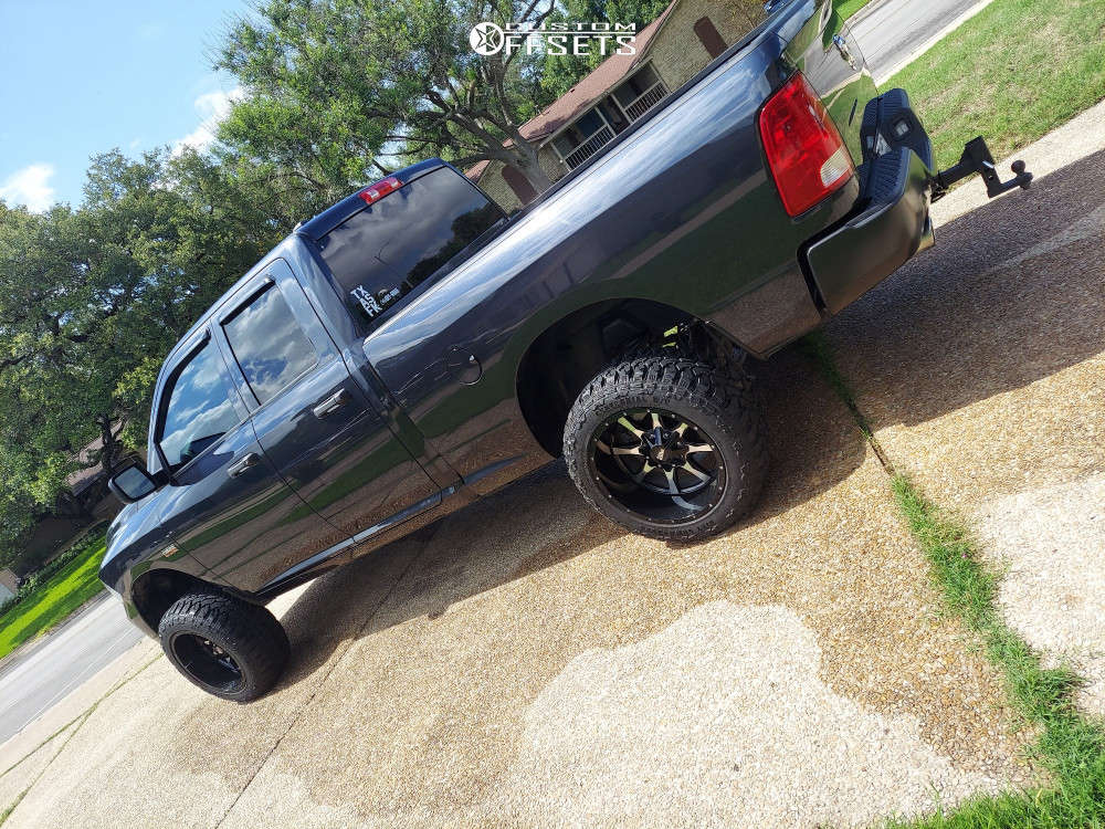 """2016 Ram 1500 Aggressive > 1"""" outside fender on 20x12 -44 offset Moto Metal Mo970 and 33""""x12.5"""" Centennial Dirt Commander Mt on Suspension Lift 6"""" - Custom Offsets Gallery"""