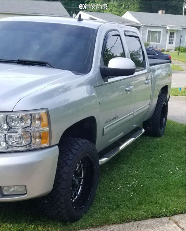 """2010 Chevrolet Silverado 1500 Aggressive > 1"""" outside fender on 20x10 -25 offset Vision Widow and 33""""x12.5"""" Venom Power Terra Hunter X/t on Leveling Kit - Custom Offsets Gallery"""