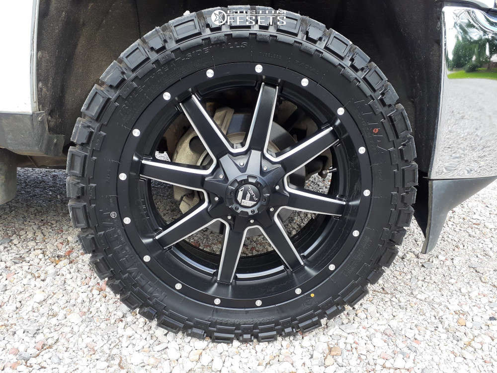 """2015 Chevrolet Silverado 2500 HD Aggressive > 1"""" outside fender on 22x9.5 25 offset Fuel Maverick D538 and 33""""x12.5"""" Kenda Klever R/t on Stock Suspension - Custom Offsets Gallery"""