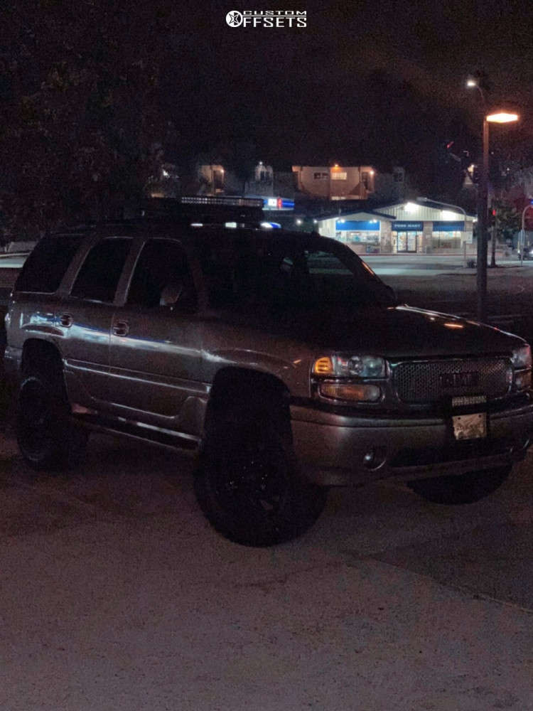 """2003 GMC Yukon Aggressive > 1"""" outside fender on 20x10 -24 offset Hardrock Crusher H704 and 35""""x12.5"""" Federal Xplora Rt on Suspension Lift 6"""" - Custom Offsets Gallery"""