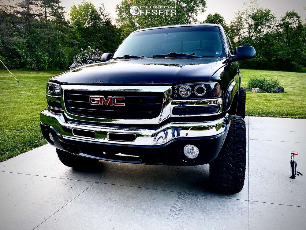 """2005 GMC Sierra 1500 Super Aggressive 3""""-5"""" on 20x12 -44 offset Moto Metal Mo985 and 33""""x12.5"""" Radar Renegade R7 Mt on Suspension Lift 4.5"""" - Custom Offsets Gallery"""