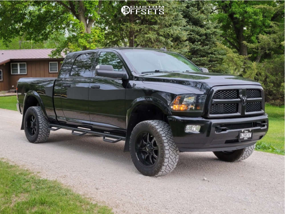 """2016 Dodge Ram 2500 Aggressive > 1"""" outside fender on 20x10 12 offset Moto Metal Mo970 and 33""""x12.5"""" Nitto Ridge Grappler on Leveling Kit - Custom Offsets Gallery"""