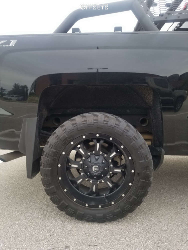 """2018 Chevrolet Silverado 1500 Aggressive > 1"""" outside fender on 20x10 -24 offset Fuel Krank and 33""""x12.5"""" Fuel Gripper Xt on Leveling Kit - Custom Offsets Gallery"""