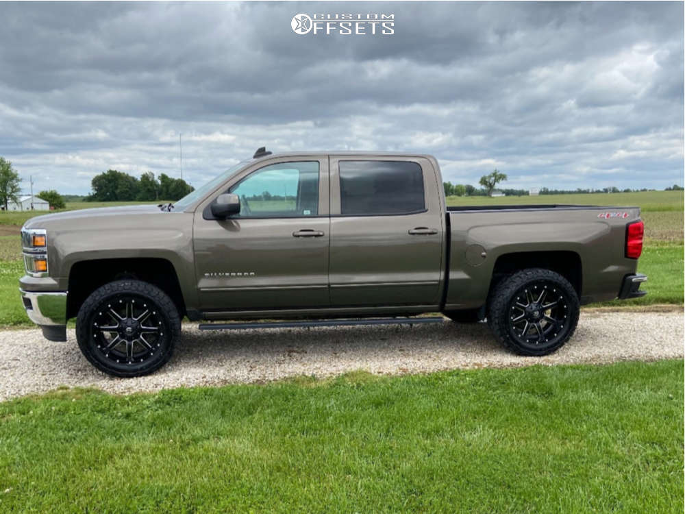 """2015 Chevrolet Silverado 1500 Slightly Aggressive on 20x10 -24 offset Fuel 538 and 33""""x12.5"""" General Grabber Atx on Leveling Kit - Custom Offsets Gallery"""