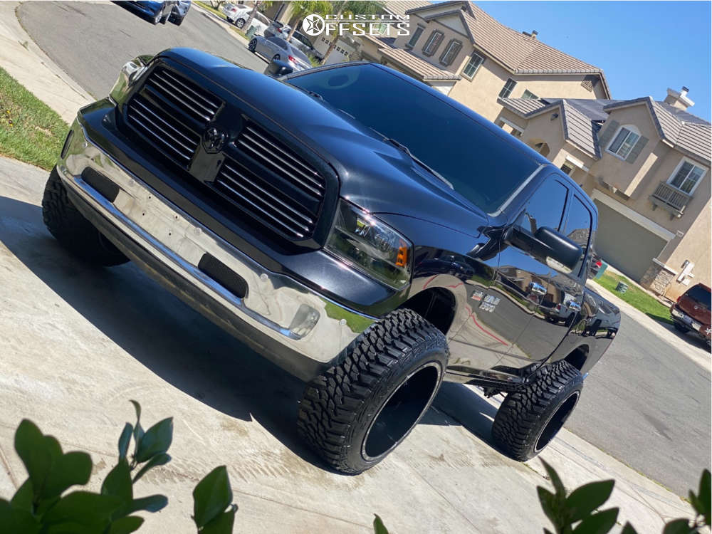 """2017 Ram 1500 Aggressive > 1"""" outside fender on 22x14 -76 offset TIS 544 and 35""""x12.5"""" Kanati Mud Hog on Suspension Lift 4"""" - Custom Offsets Gallery"""