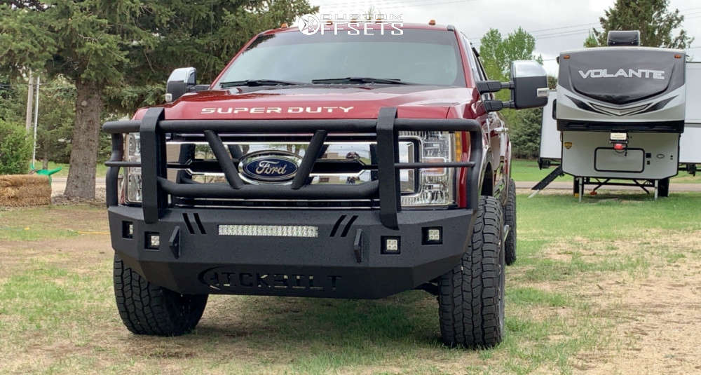 """2017 Ford F-350 Super Duty Aggressive > 1"""" outside fender on 20x10 -18 offset Fuel Battle Axe and 35""""x12.5"""" Cooper Discoverer At3 Xlt on Stock Suspension - Custom Offsets Gallery"""