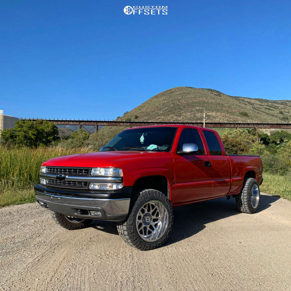 """2000 Chevrolet Silverado 1500 Aggressive > 1"""" outside fender on 20x12 -44 offset Hostile Sprocket H108 and 33""""x12.5"""" Federal Xplora Rt on Suspension Lift 2.5"""" - Custom Offsets Gallery"""