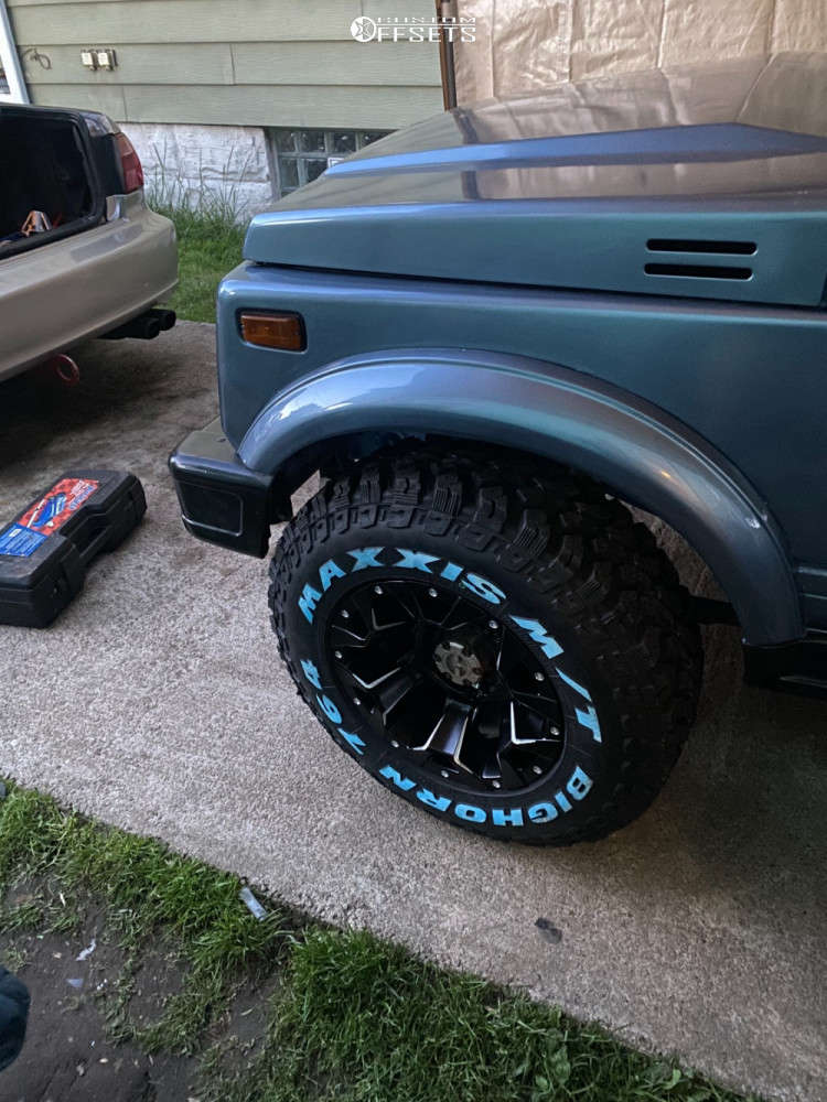 """1988 Suzuki Samurai Aggressive > 1"""" outside fender on 15x8 0 offset Fuel 537 and 215/70 Maxxis Bighorn Mt-762 on Suspension Lift 2.5"""" - Custom Offsets Gallery"""