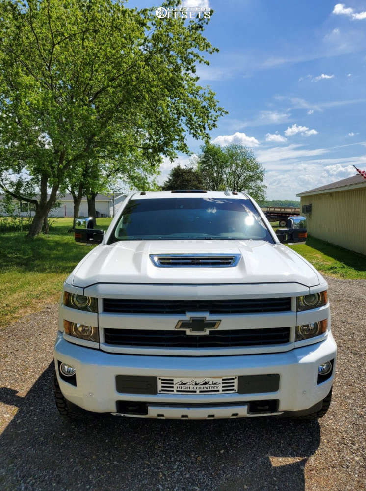 """2017 Chevrolet Silverado 2500 HD Aggressive > 1"""" outside fender on 20x10 -25 offset TIS 544c and 33""""x12.5"""" Nitto Ridge Grapplers on Leveling Kit - Custom Offsets Gallery"""