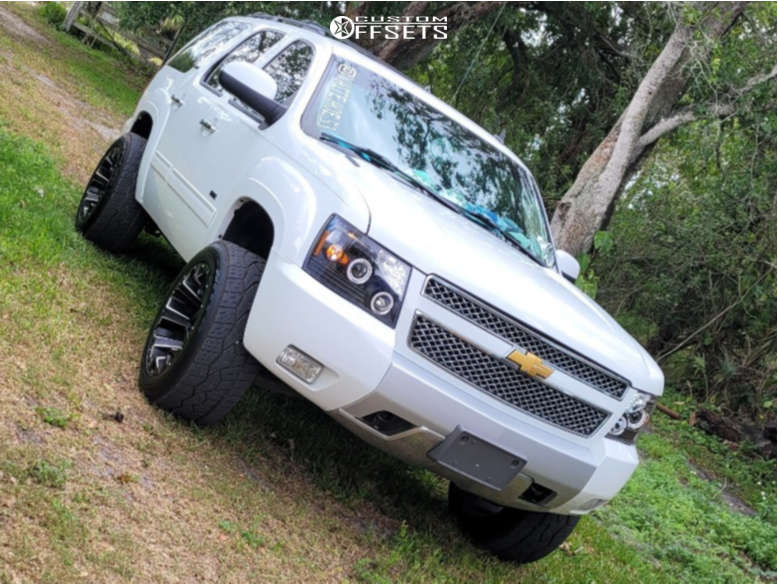 """2013 Chevrolet Tahoe Aggressive > 1"""" outside fender on 20x12 -43 offset Fuel Assault and 32""""x12.5"""" Nitto Nt420v on Suspension Lift 4"""" - Custom Offsets Gallery"""
