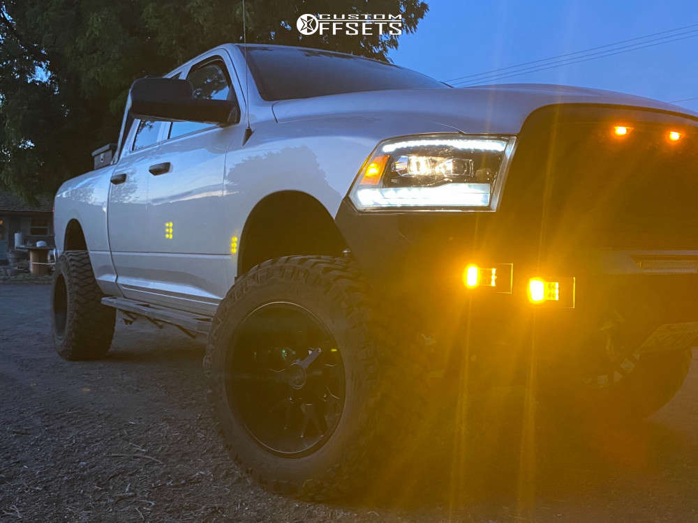 """2015 Ram 1500 Aggressive > 1"""" outside fender on 20x12 -44 offset Hardrock Affliction and 35""""x12.5"""" Maxxis Razr M/t on Suspension Lift 6"""" - Custom Offsets Gallery"""