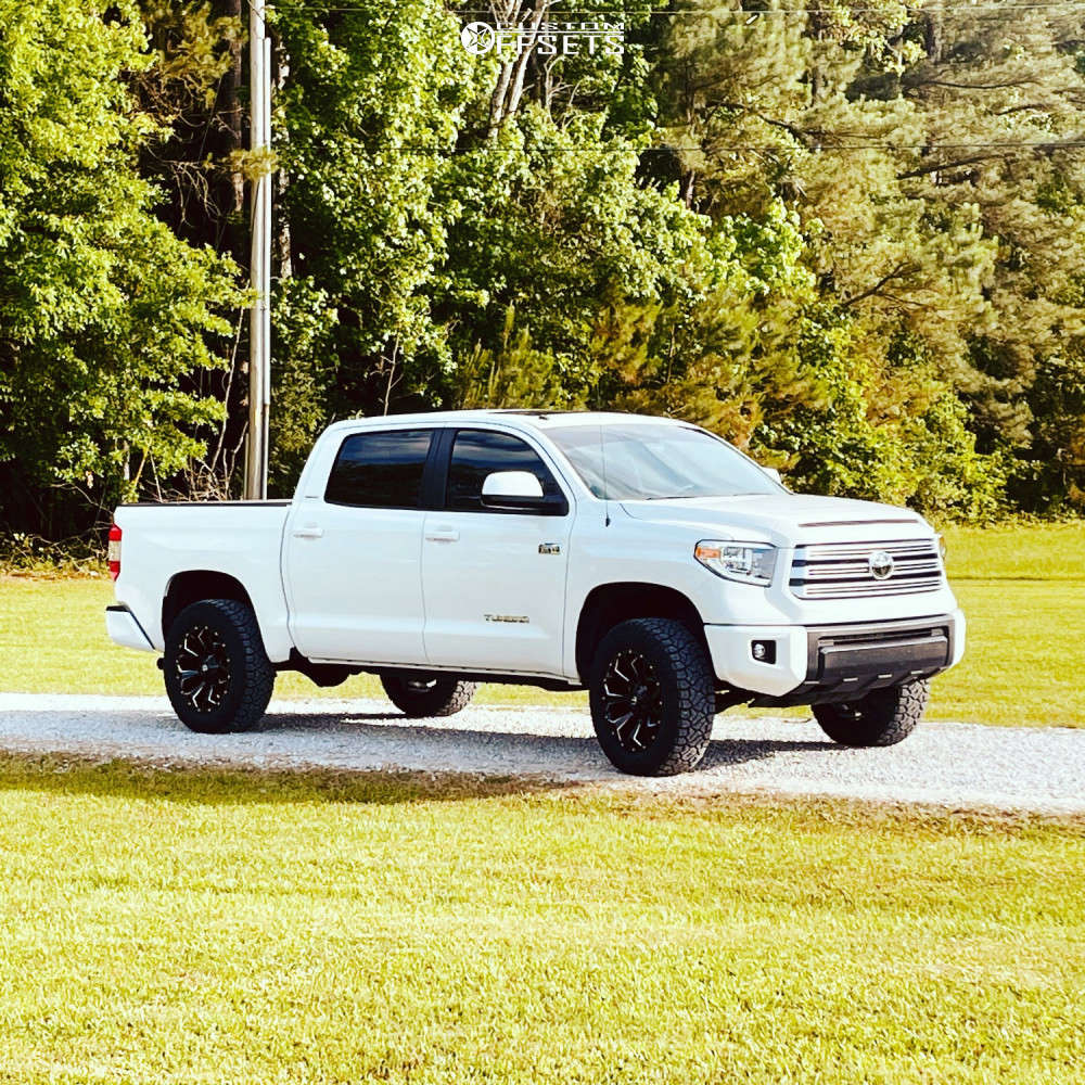 """2019 Toyota Tundra Aggressive > 1"""" outside fender on 20x9 20 offset Fuel Assault D576 and 275/65 Venom Power Terra Hunter R/t Plus on Leveling Kit - Custom Offsets Gallery"""