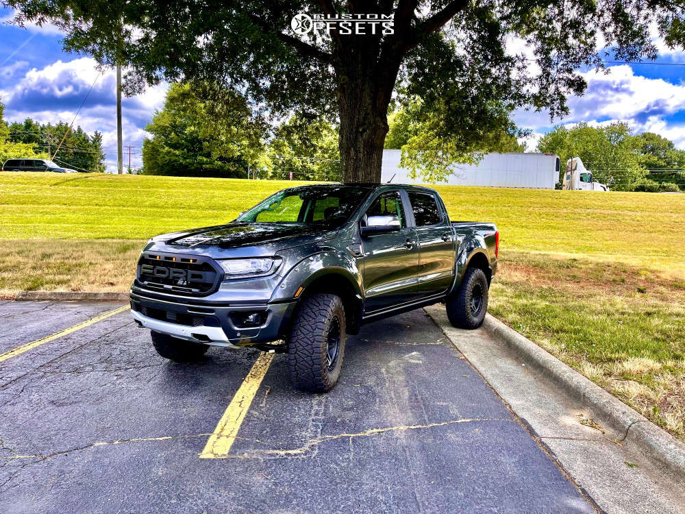 """2019 Ford Ranger Aggressive > 1"""" outside fender on 17x9 0 offset Method Mr312 and 33""""x12.5"""" Nitto Ridge Grapplers on Suspension Lift 4"""" - Custom Offsets Gallery"""