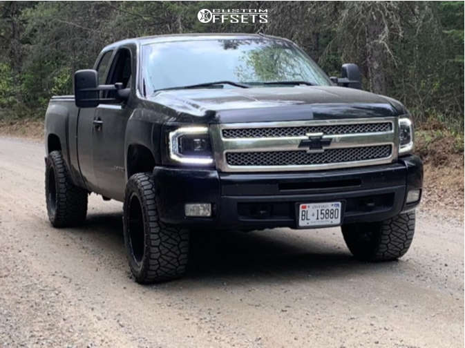 """2010 Chevrolet Silverado 1500 Aggressive > 1"""" outside fender on 20x10 -18 offset Fuel Vandal and 32""""x12.5"""" Nitto Ridge Grappler on Suspension Lift 2.5"""" - Custom Offsets Gallery"""