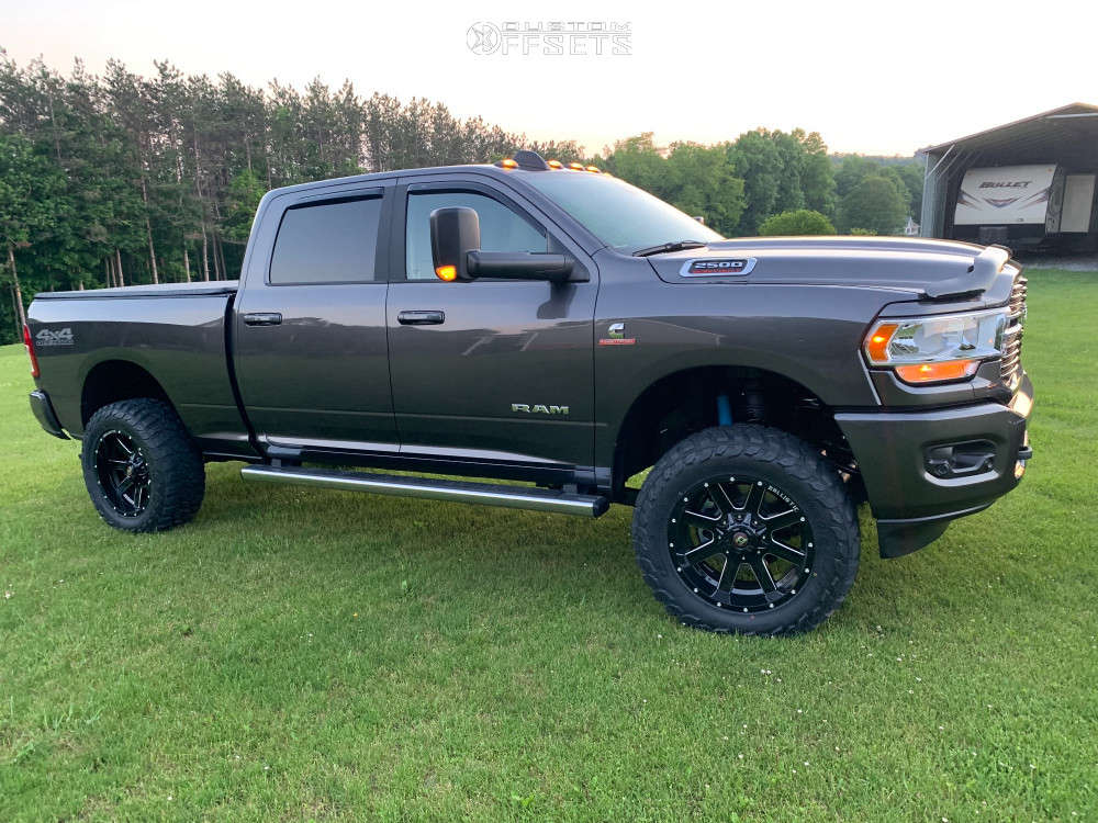 """2021 Ram 2500 Aggressive > 1"""" outside fender on 20x10 -19 offset Ballistic Rage and 35""""x12.5"""" Landspider Wildtraxx M/t on Leveling Kit - Custom Offsets Gallery"""