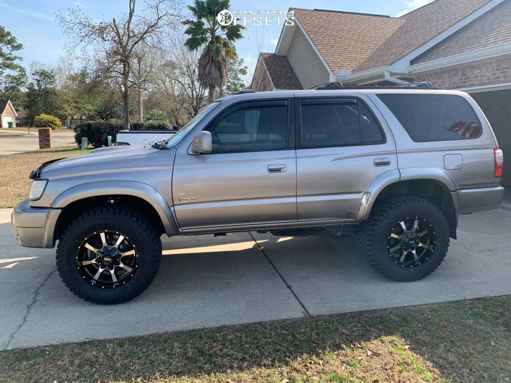 """2002 Toyota 4Runner Aggressive > 1"""" outside fender on 18x9 18 offset Moto Metal Mo970 and 33""""x11.5"""" Atturo Trail Blade Xt on Suspension Lift 3"""" - Custom Offsets Gallery"""