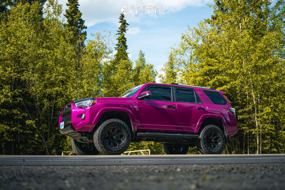 """2019 Toyota 4Runner Aggressive > 1"""" outside fender on 18x9 1 offset Fuel Siege and 285/65 Toyo Open Country A/t Ii on Suspension Lift 3"""" - Custom Offsets Gallery"""
