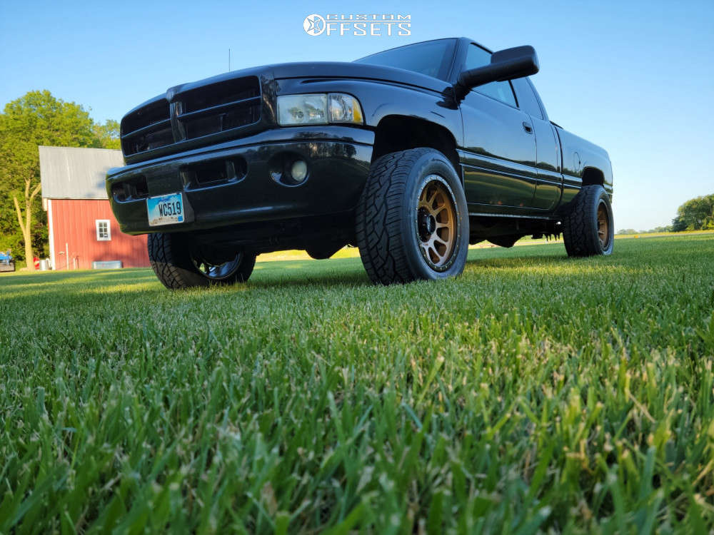 """2000 Dodge Ram 2500 Super Aggressive 3""""-5"""" on 20x10 -18 offset Method Mr305 and 305/55 Nitto Nt420v on Lowered 2F / 4R - Custom Offsets Gallery"""