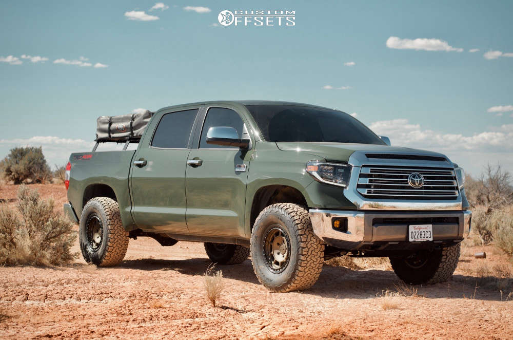 """2021 Toyota Tundra Aggressive > 1"""" outside fender on 17x8.5 0 offset Fifteen52 Traverse HD and 315/70 BFG KO2 on Suspension Lift 2.5"""" - Custom Offsets Gallery"""