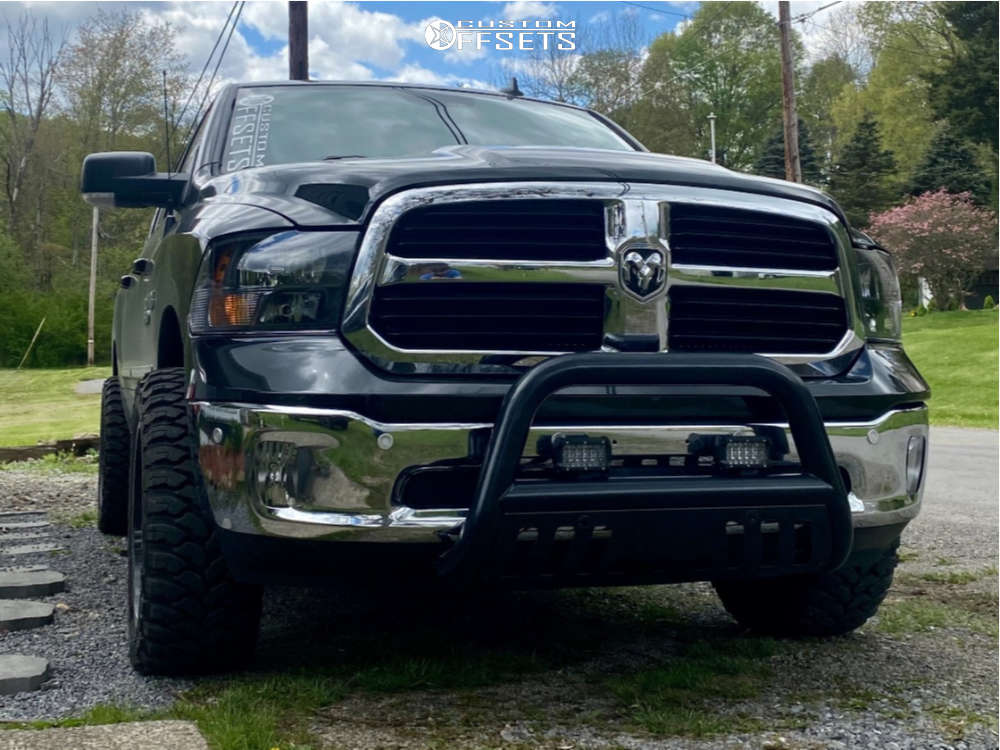"""2017 Ram 1500 Aggressive > 1"""" outside fender on 20x10 -25 offset Ultra Hunter and 33""""x12.5"""" Comforser Cf3000 on Suspension Lift 2.5"""" - Custom Offsets Gallery"""