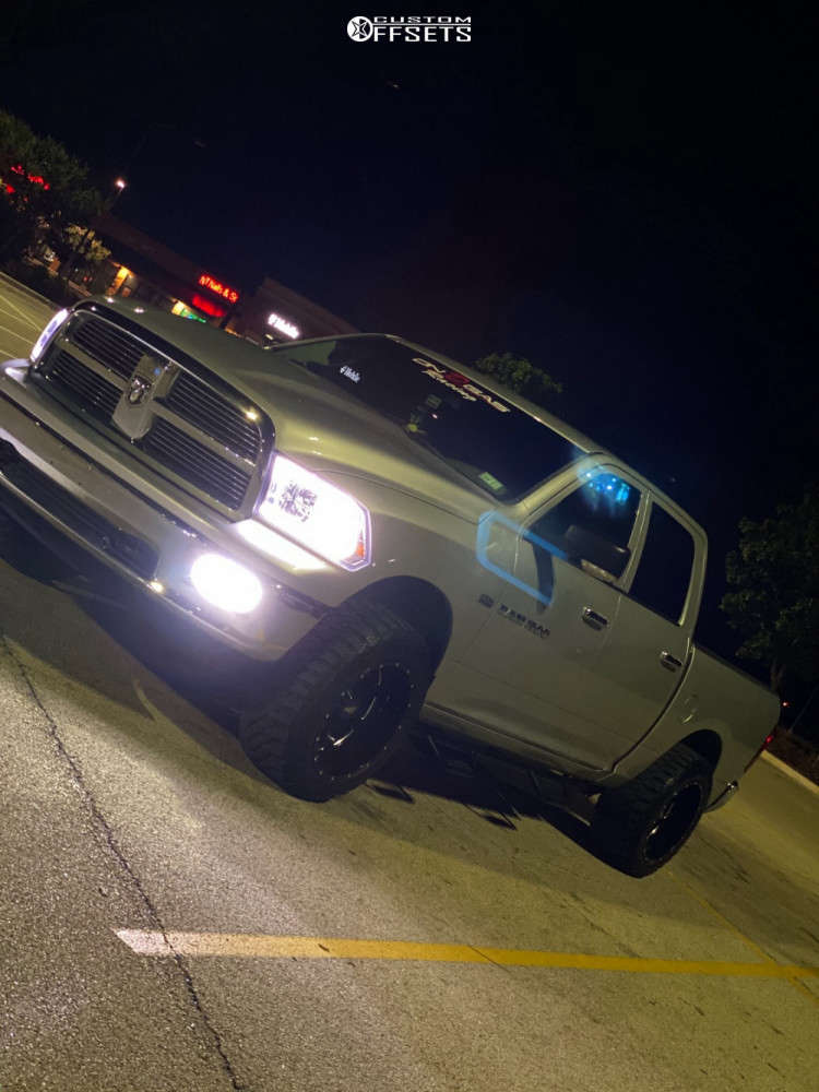 """2012 Dodge Ram 1500 Super Aggressive 3""""-5"""" on 20x12 -44 offset Moto Metal 962 and 33""""x12.5"""" Atlas Mt on Leveling Kit - Custom Offsets Gallery"""