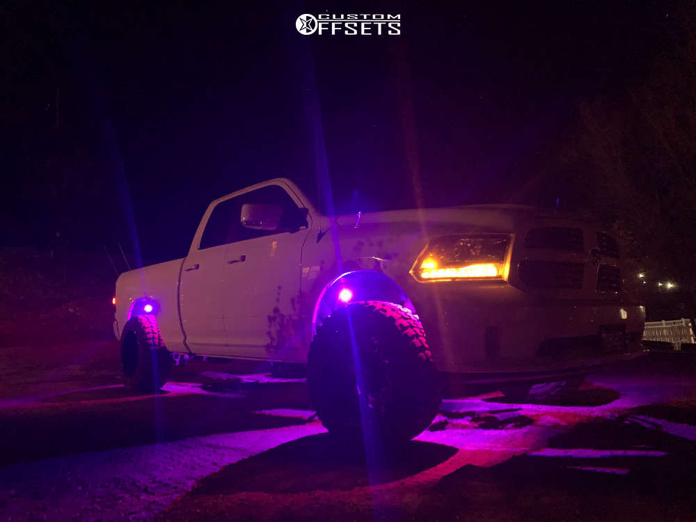 """2015 Ram 1500 Classic Aggressive > 1"""" outside fender on 20x12 -44 offset Hardrock Gunner and 33""""x12.5"""" Federal Couragia M/t on Leveling Kit - Custom Offsets Gallery"""