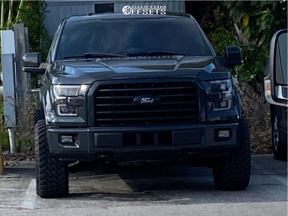 """2016 Ford F-150 Aggressive > 1"""" outside fender on 22x12 -44 offset Hostile Rage and 33""""x12.5"""" Atturo Trail Blade Mt on Leveling Kit - Custom Offsets Gallery"""