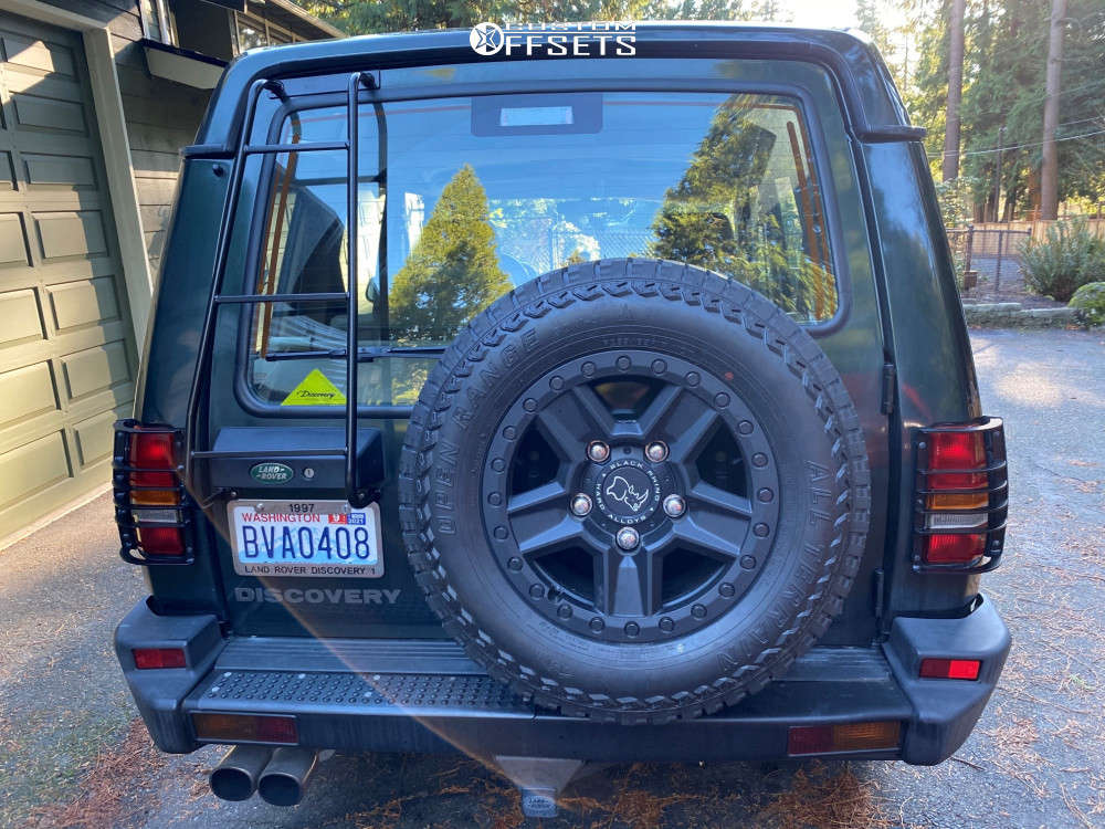 1997 Land Rover Discovery Nearly Flush on 17x8.5 10 offset Black Rhino Ravine and 265/65 Open Range All Terrain on Stock Suspension - Custom Offsets Gallery