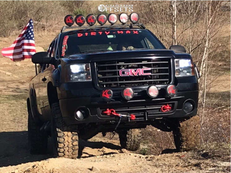 """2007 GMC Sierra 2500 HD Aggressive > 1"""" outside fender on 20x12 0 offset Ultra Wheels Ultra Hunter 203 and 35""""x12.5"""" Gladiator Xcomp Mt on Leveling Kit - Custom Offsets Gallery"""