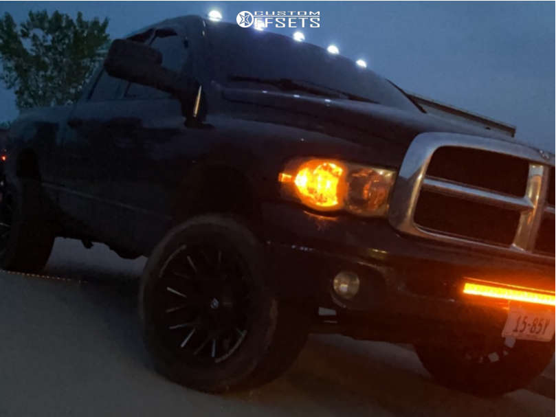 """2004 Dodge Ram 1500 Super Aggressive 3""""-5"""" on 20x12 -44 offset Dropstars 654bm and 33""""x11.5"""" Toyo Proxes S/t on Stock Suspension - Custom Offsets Gallery"""