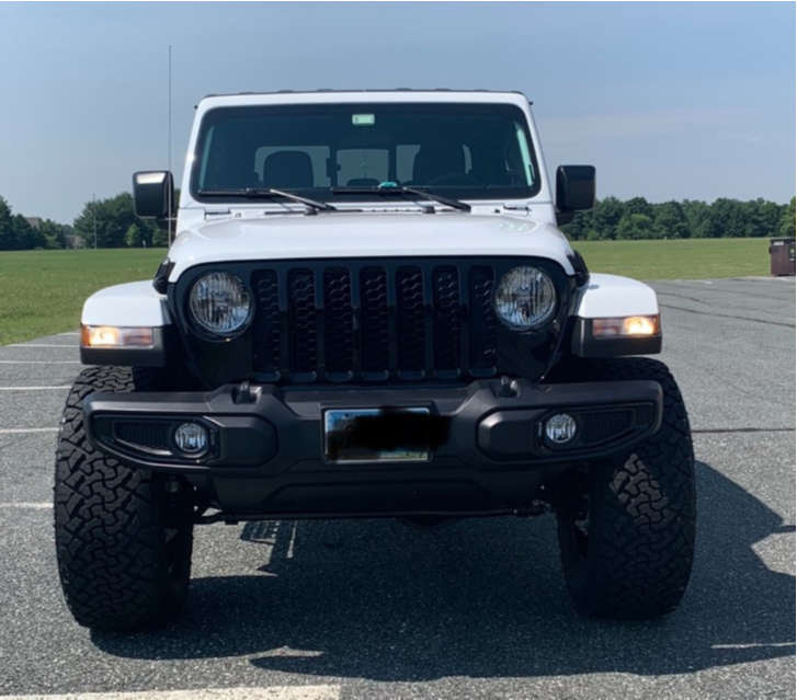 "2021 Jeep Gladiator Aggressive > 1"" outside fender on 20x10 -18 offset Fuel Hardline & 37""x13.5"" Venom Power Terra Hunter X/t on Suspension Lift 3.5"" - Custom Offsets Gallery"