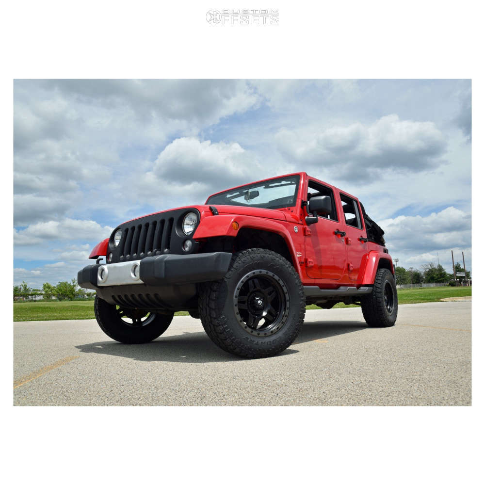 """2014 Jeep Wrangler JK Aggressive > 1"""" outside fender on 18x9 1 offset Fuel Anza & 33""""x12.5"""" Toyo Tires Open Country A/t Ill on Suspension Lift 2.5"""" - Custom Offsets Gallery"""