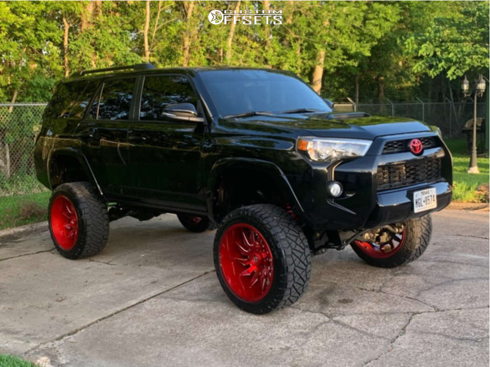 """2019 Toyota 4Runner Aggressive > 1"""" outside fender on 22x12 -44 offset Fuel Saber and 33""""x12.5"""" Nitto Ridge Grappler on Suspension Lift 9"""" - Custom Offsets Gallery"""