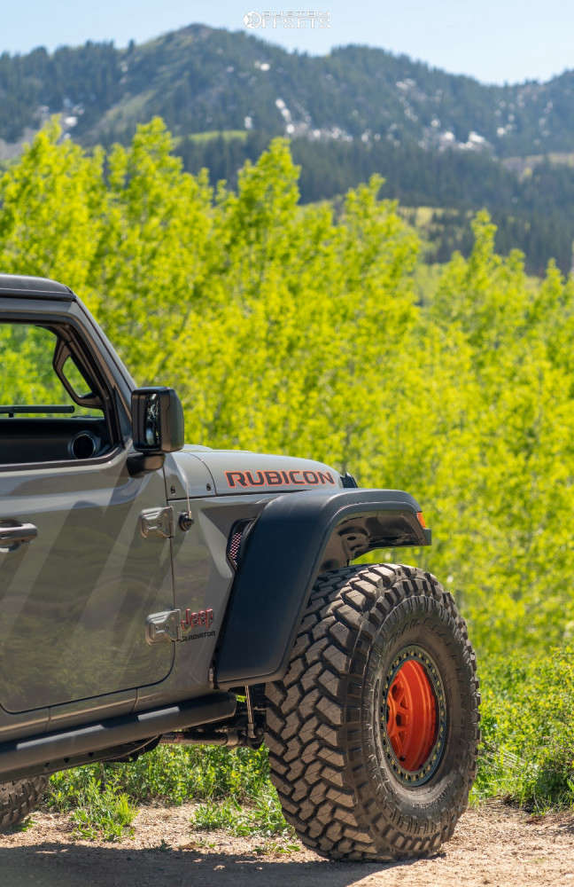 """2021 Jeep Gladiator Super Aggressive 3""""-5"""" on 17x9 38 offset KMC Km235 and 40""""x13.5"""" Nitto Trail Grappler on Suspension Lift 3.5"""" - Custom Offsets Gallery"""