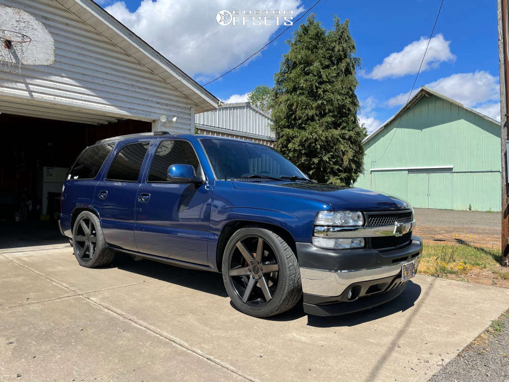 2001 Chevrolet Tahoe Tucked on 22x9 15 offset KMC Km704 & 275/40 Nitto Nt420v on Lowered 3F / 5R - Custom Offsets Gallery