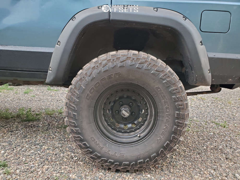 """1998 Jeep Cherokee Aggressive > 1"""" outside fender on 15x8 -19 offset American Racing Outlaw Ii & 33""""x12.5"""" Cooper Discoverer Stt Pro on Suspension Lift 3.5"""" - Custom Offsets Gallery"""