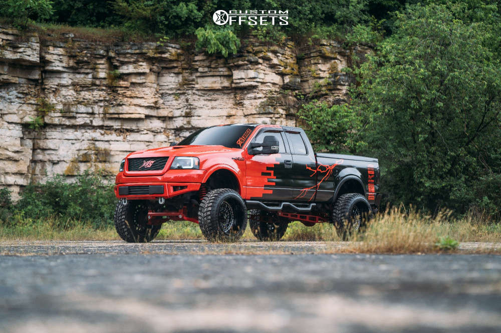 """2005 Ford F-150 Aggressive > 1"""" outside fender on 24x14 -81 offset ARKON OFF-ROAD Crown Series Triumph & 37""""x13.5"""" Road One Aethon M/t on Suspension Lift 10"""" - Custom Offsets Gallery"""