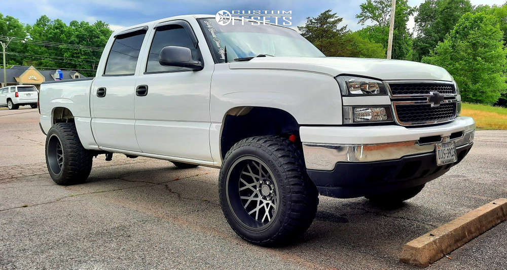 """2007 Chevrolet Silverado 1500 Classic Aggressive > 1"""" outside fender on 20x12 -51 offset Toxic Punisher & 33""""x12.5"""" Linglong Crosswind M/t on Leveling Kit - Custom Offsets Gallery"""