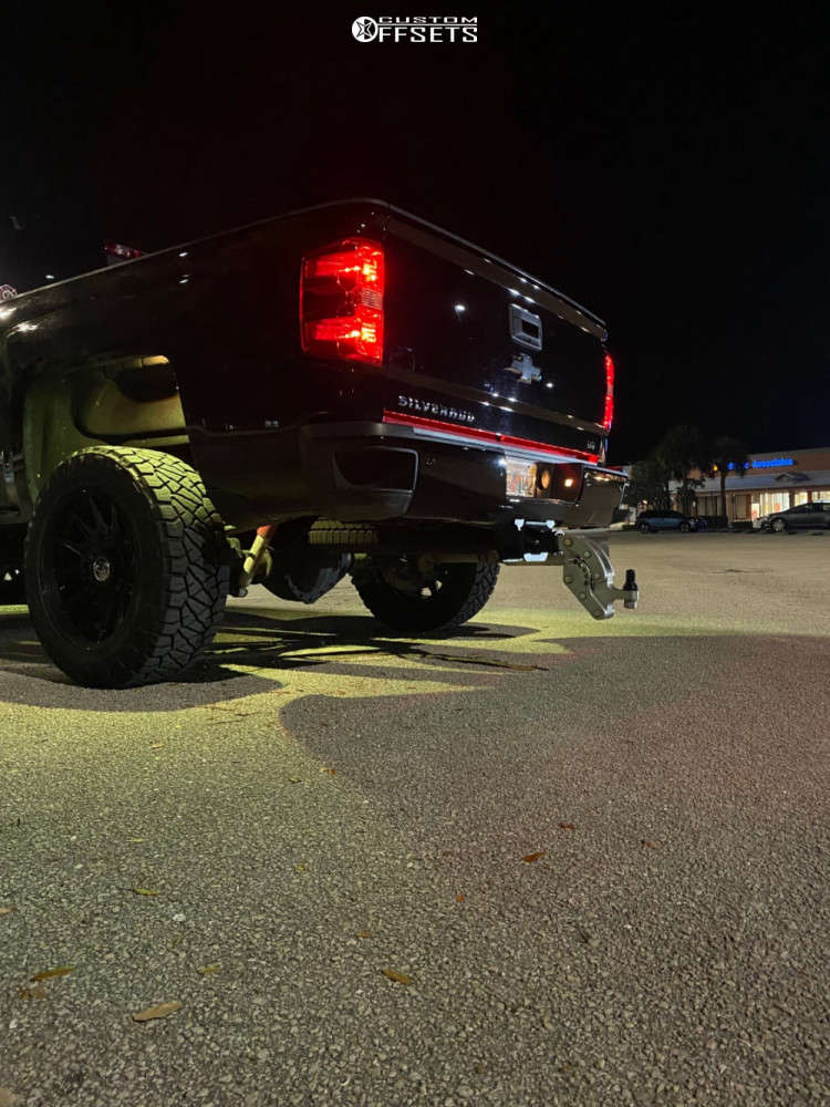 """2019 Chevrolet Silverado 2500 HD Aggressive > 1"""" outside fender on 20x10 -18 offset Anthem Off-Road Liberty & 35""""x11.5"""" Nitto Ridge Grappler on Leveling Kit - Custom Offsets Gallery"""