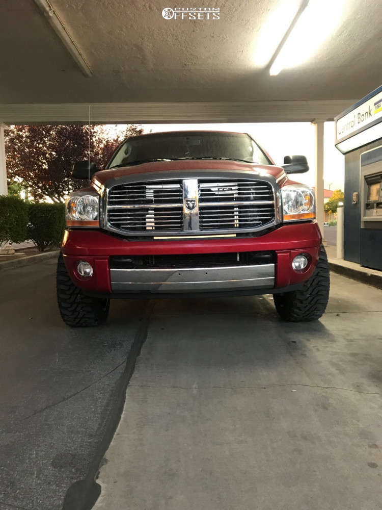 """2006 Dodge Ram 2500 Aggressive > 1"""" outside fender on 20x12 -44 offset Hardrock Crusher and 33""""x12.5"""" Federal Xplora M/t on Stock Suspension - Custom Offsets Gallery"""