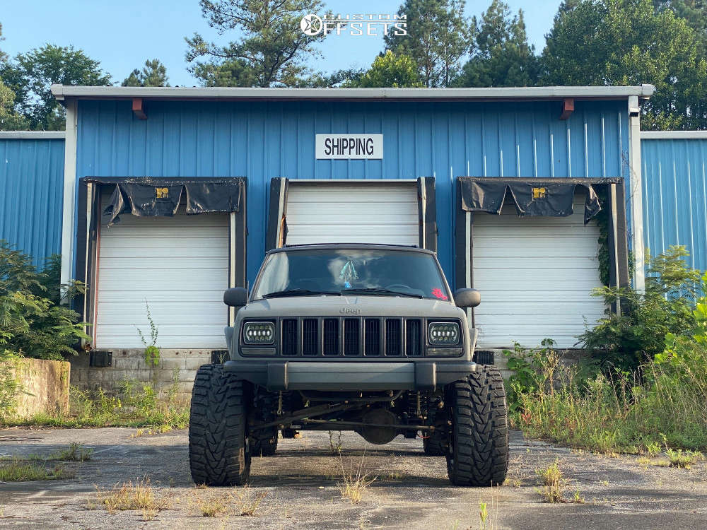 """1999 Jeep Cherokee Super Aggressive 3""""-5"""" on 22x12 -55 offset Vision 360 & 33""""x13.5"""" Versatyre Mxt on Suspension Lift 4.5"""" - Custom Offsets Gallery"""